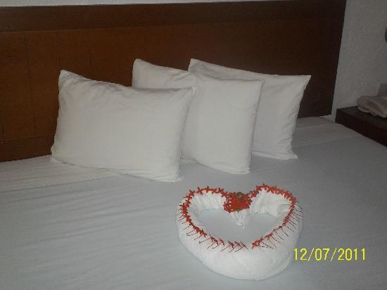Hotel Dos Playas Beach House: recamara super bonita adornada! gran detalle