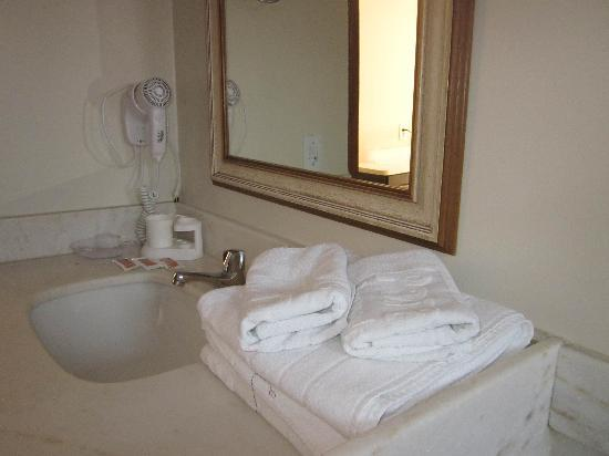 El Parador Pousada: bathromm