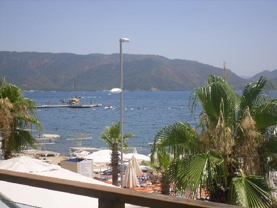 Emre Beach : view on front