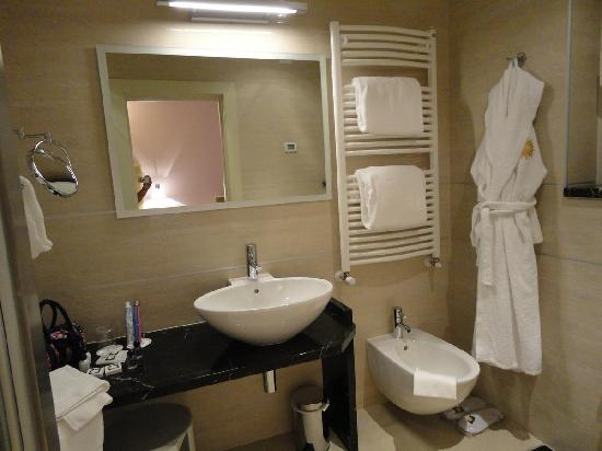 Hotel Kristal Palace - Tonelli Hotels : bathroom