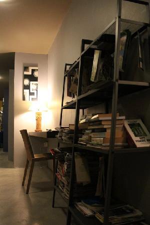 Lodge 121: study corner