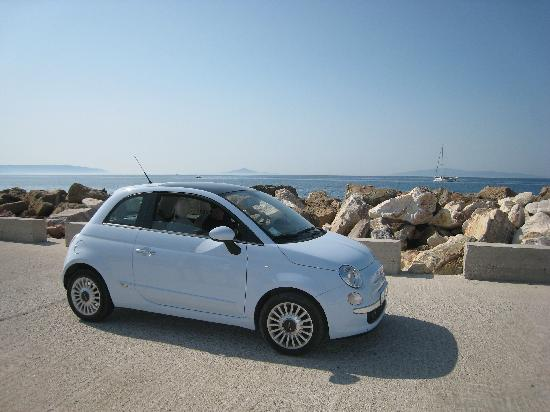 Petres : The little Fiat for rent