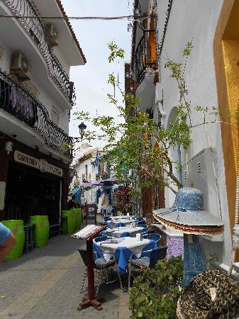 Papagayo Beach: Old Town Nerja walkway