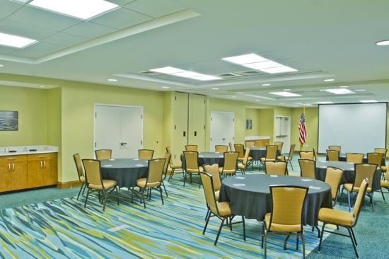 SpringHill Suites Columbia Downtown: Spacious Meeting Room