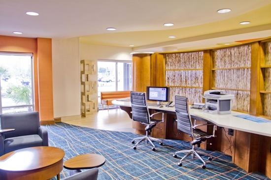 SpringHill Suites Columbia Downtown: Business Center
