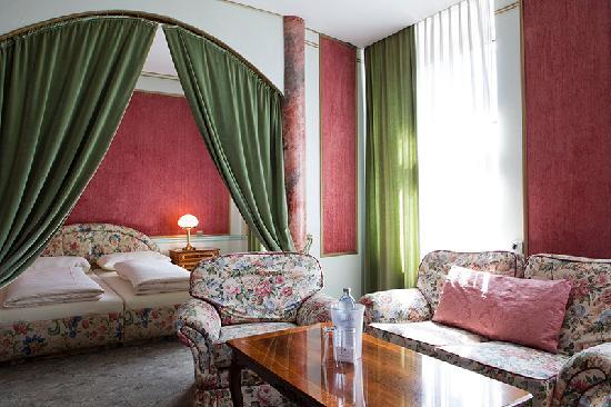 Altwienerhof: The Romantic Suite