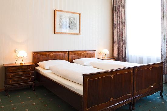 Altwienerhof: The Biedermeier Room