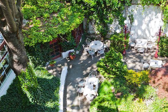 Altwienerhof: Our Garden
