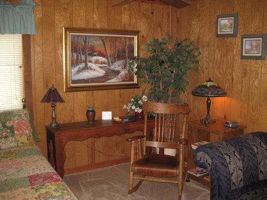 Iris Garden Cottages & Suites