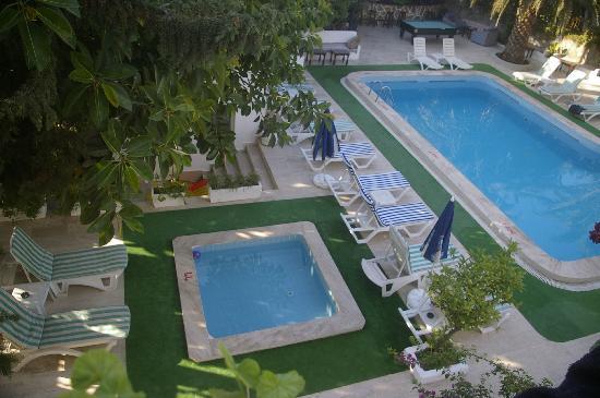 Ugur Hotel: small  pool