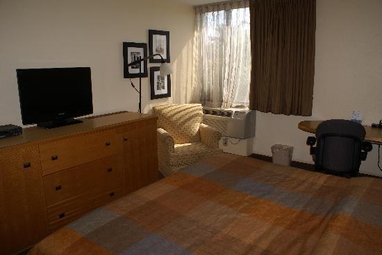 Magnuson Hotel Fishkill: Room