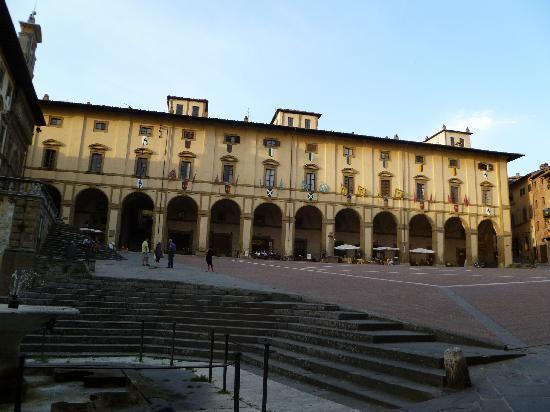 Residence le Corniole Aparthotel: Piazza Grande ad Arezzo
