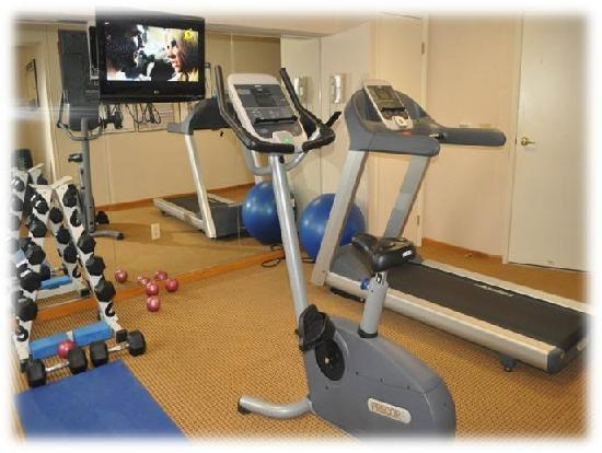 Quality Hotel Harbourview: Well Equiped Fitness Facility-Eat in-Work out!