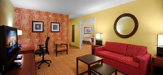 Courtyard by Marriott Ocala : King Suite