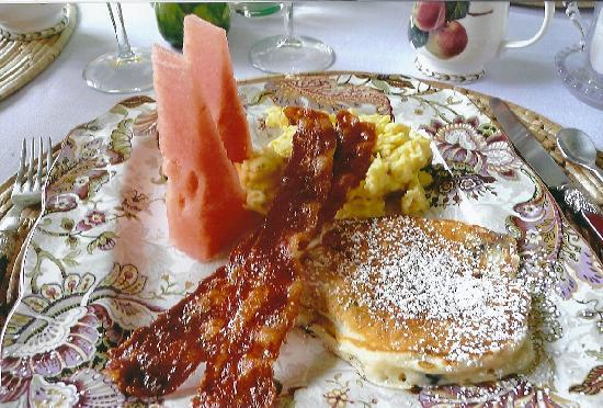 The Mattapoisett Inn: A delictable delight!