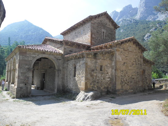 Cillorigo de Liebana, إسبانيا: Iglesia de Sta. María de Lebeña