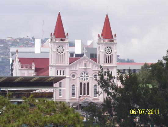 Baguio, Filipinler: Church as seen (zoomed in) from SM Mall :)