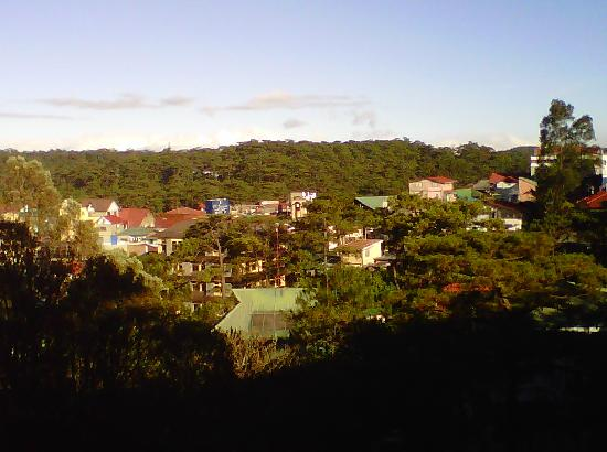 Baguio (zoomed in) from SM Mall