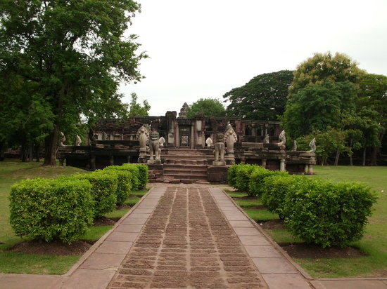 เมืองนครราชสีมา, ไทย: Prasat (Castle) Phimai