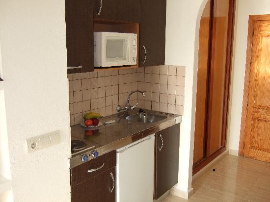 Apartamentos La Kiki: The Kitchen