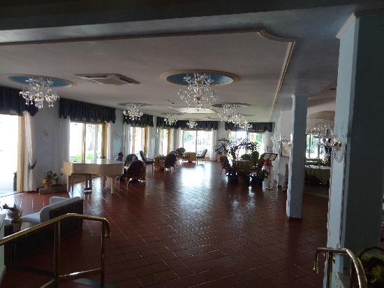 Hotel Orizzonte - Acireale: Grande salle face au bar
