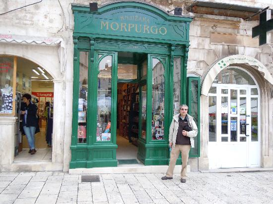 Marmontova Luxury Rooms: Morfurgo was the first bookstore in Split. Owned by an Ashkenazi family.
