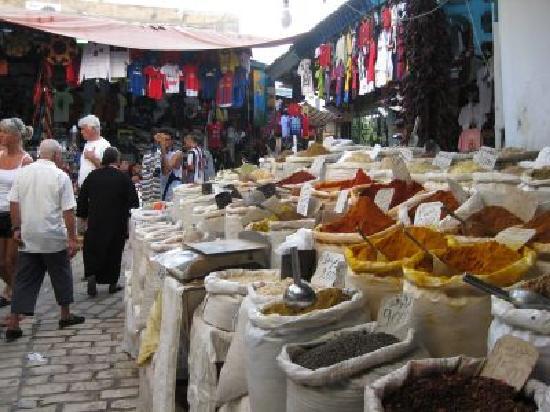 JAZ Tour Khalef Thalasso & Spa : Spices in the medina/market