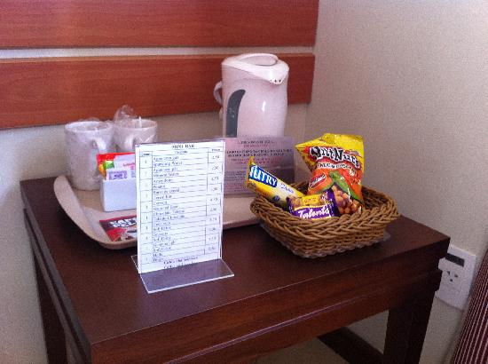 Holiday Inn Express Hotel Av. Sumaré : Snacks - expensive as usual, but available