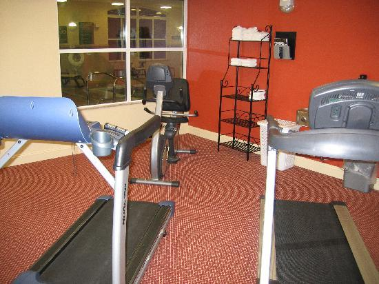 Country Inn & Suites By Carlson, Fredericksburg : Exercise room