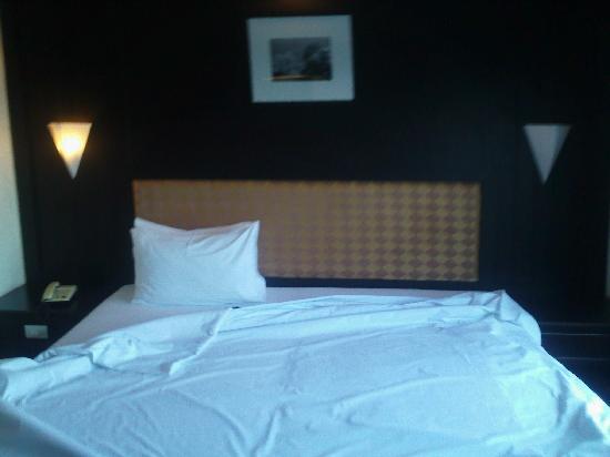 Regent Park Hotel: bedroom
