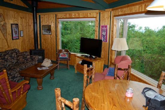 Mountain Villas: living room