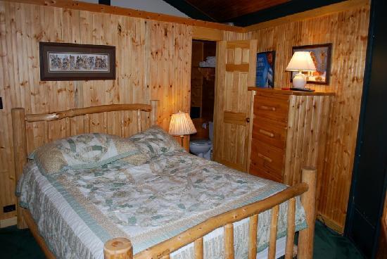 Mountain Villas: main bedroom