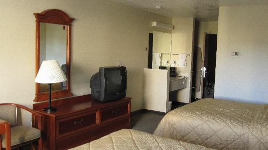 Comfort Inn & Suites: Two Queen Beds Room