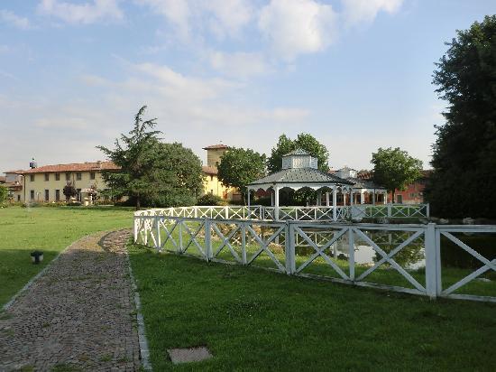 Cologno al Serio, Italien: Hotel and Gardens