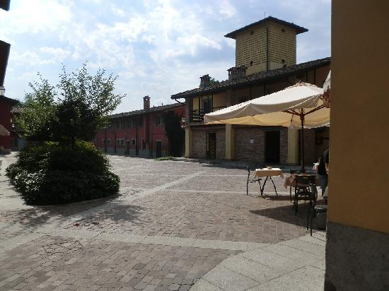 Antico Borgo La Muratella: Breakfast taken in this Courtyard