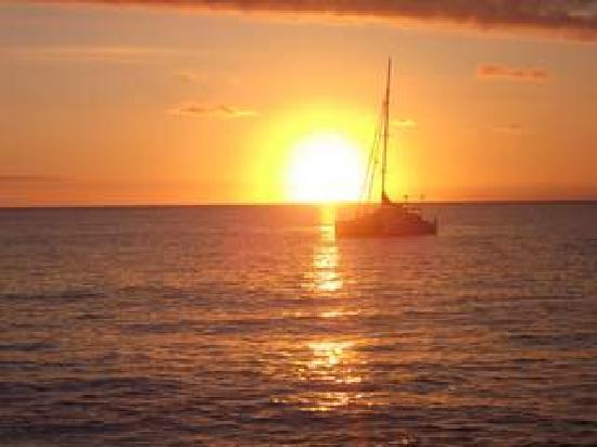 Matafonua Lodge: Sun Set