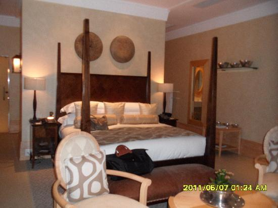 Saxon Hotel, Villas and Spa : bed