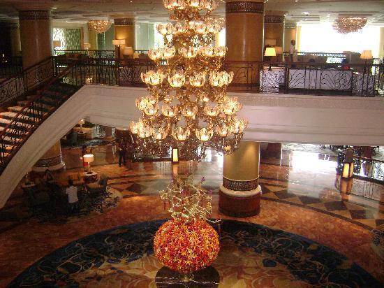 Makati Shangri-La Manila: Lobby