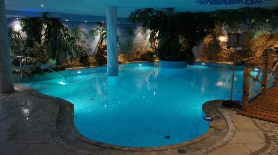 Luxury DolceVita Resort Preidlhof: Innenpool