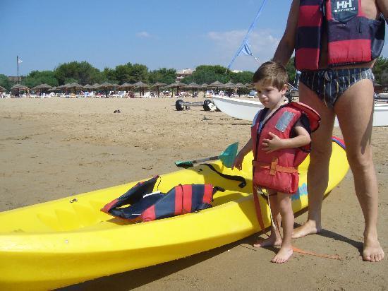Hotel Conte di Cabrera : si esce in canoa (luglio 2009)