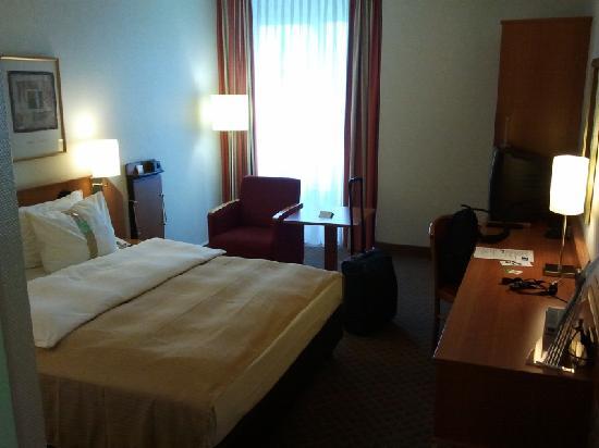 Leonardo Hotel Aachen: Hotelzimmer (Juli 2011)