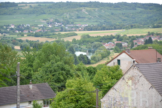 Reuilly-Sauvigny, Prancis: View at the Marne