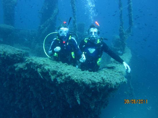 Skiathos Diving Center: In search of the titanic