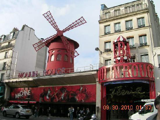 Hotel Bellevue Paris Montmartre: Moulin Rouge