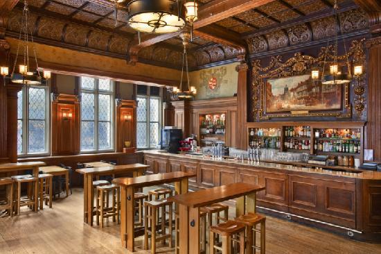 Andaz London Liverpool Street: George Pub