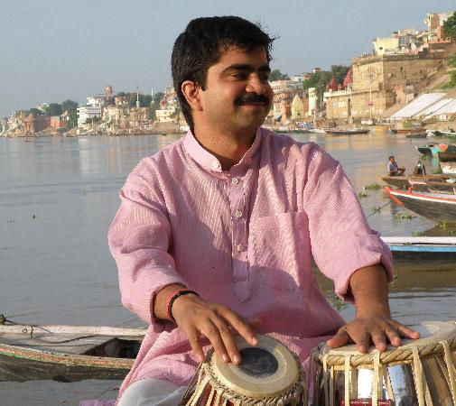 International Music Centre Ashram: Sandip, joueur de tabla