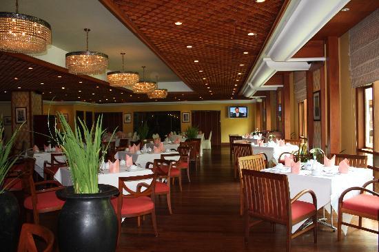 Sokha Angkor Resort: Buffet breakfast place