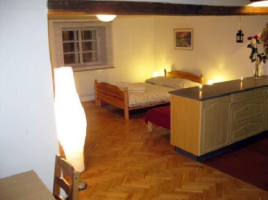 Charles Bridge Economic Hostel: Deluxe 4 Bed Ensuite