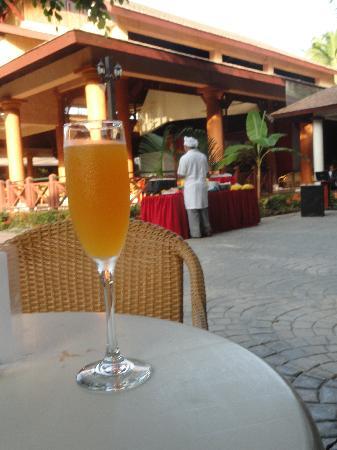 โรงแรมวิค อารีนา บลังกา: Welcome Cocktail