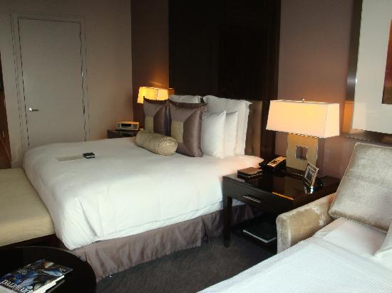 Trump International Hotel Tower Chicago Room Photo